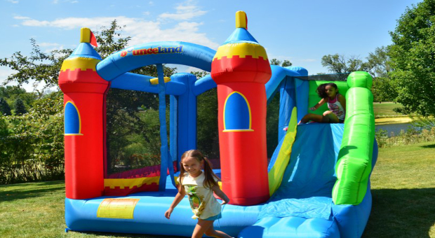 Bounceland Royal Palace Bounce House with Slide Review